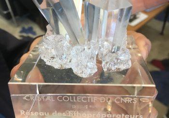 Le Réseau national des lithopréparateurs reçoit le Cristal Collectif du CNRS 2018